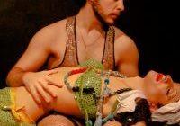"""Amor é a prova dos nove em """"À Margem"""", em cartaz no Teatro Arthur Azevedo"""