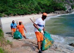 Comlurb limpa Trilha do Perigoso em Barra de Guaratiba